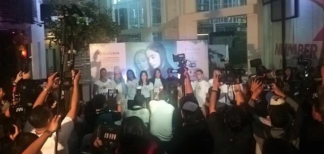 Press Conference I am Hope Movie, by Sari Novita