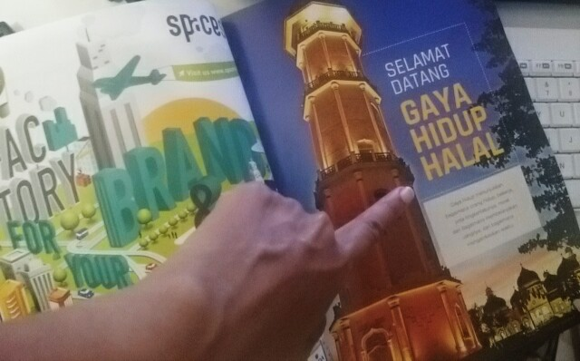 Halal LIfestyle Magazine - Gaya Hidup ; Sari Novita