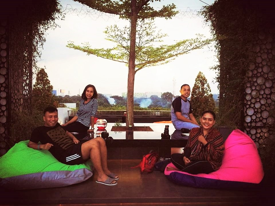 Montezuma Rooftop at Hotel FM7 : Sari Novita