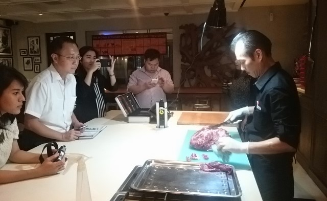Tokusen Wagyu Halal, Demo Cooking