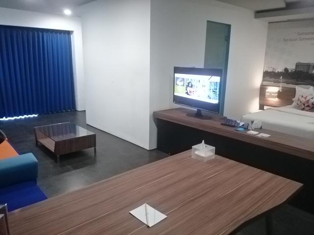 Berry Biz Suite Room