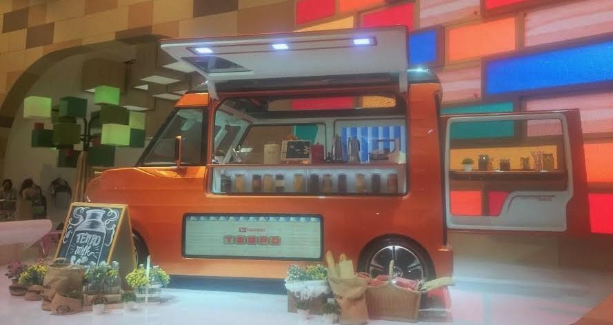 #GIIAS2016 Food Truck