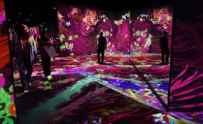 Pameran Seni Digital Interaktif teamlab Future Park - sarinovita.com
