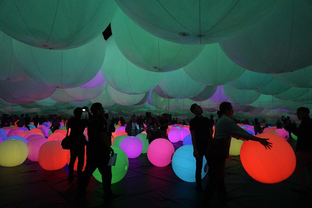 Light Ball Orchestra - Pameran Seni Digital Future Park Jakarta, Gandaria City - sarinovita.com